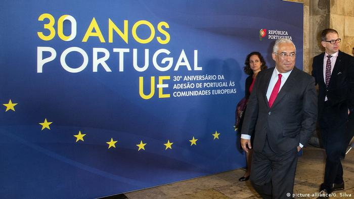 Portuguese Prime Minister Antonio Costa marked the 30th anniversary of Portugal's accession to the EU in 2016 (picture-alliance/G. Silva)