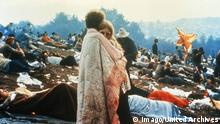 Beim Woodstock Festival, USA 1960er Jahre. at the Woodstock festival, USA 1960s. Copyright: TBM UnitedArchives201718 the Woodstock Festival USA 1960 Years AT The Woodstock Festival USA 1960s Copyright TBM UnitedArchives201718