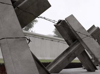 Fahrzeugsperren an der ehemaligen Berliner Mauer (Foto: DW)