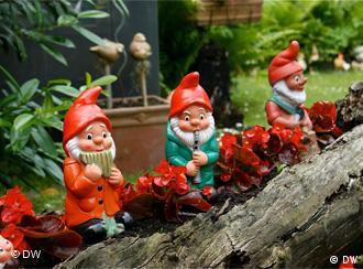 Классические садовые гномы