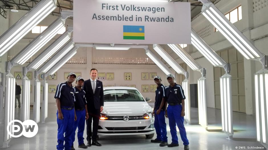 Germany S Vw Rolls First Car Off Its Rwanda Assembly Line News And Current Affairs From Germany And Around The World Dw 27 06 2018