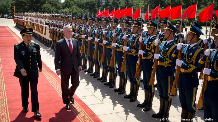US-Verteidigungsminister Mattis in China (AFP/Getty Images/M. Schiefelbein)