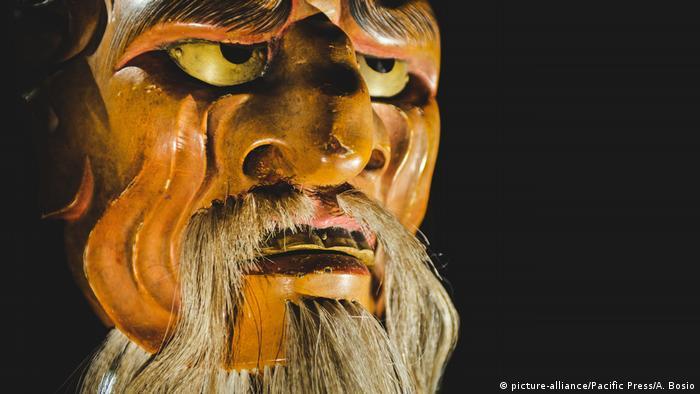 Маска злого духа японского театра Но
