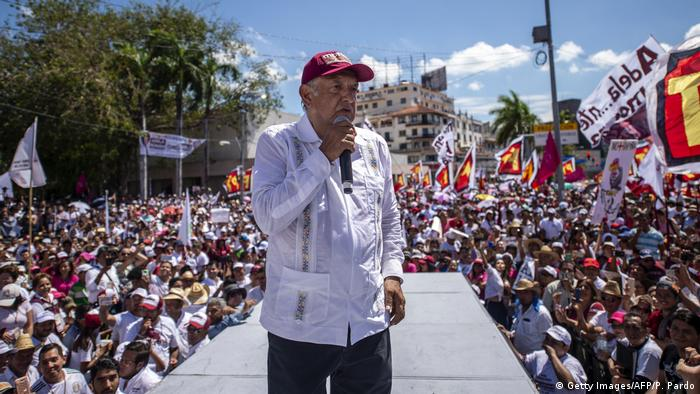 Andrés Manuel López Obrador speaks at a campaign rally (Getty Images/AFP/P. Pardo)