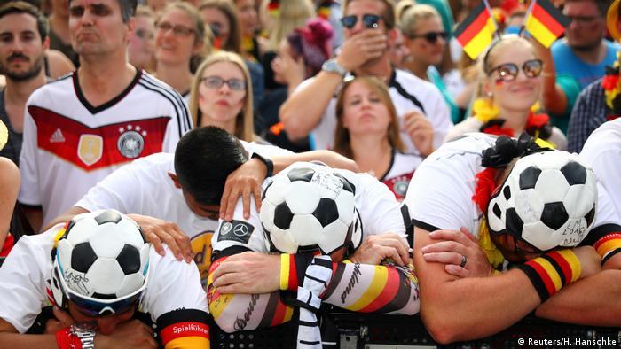 FIFA Fußball-WM 2018 in Russland | Deutschland verliert gegen Südkorea - Enttäuschung (Reuters/H. Hanschke)
