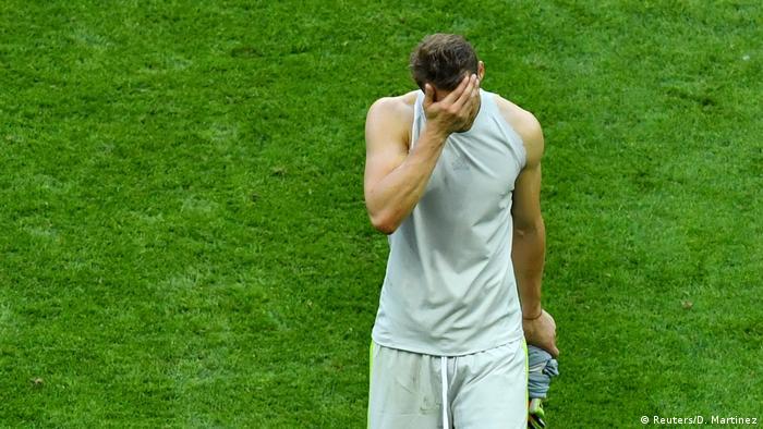 FIFA Fußball-WM 2018 in Russland | Deutschland verliert gegen Südkorea - Enttäuschung - Neuer (Reuters/D. Martinez)