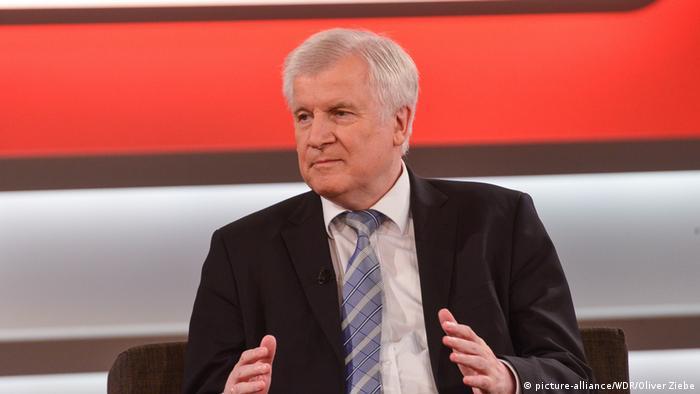 Хорст Зеехофер в эфире телешоу Maischberger телеканала ARD