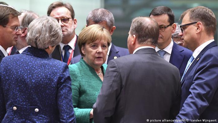 Belgien - EU-Gipfel in Brüssel - Merkel (picture alliance/dpa/AP/G. Vanden Wijngaert)