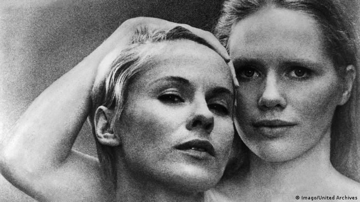 Film still Ingmar Bergman, Persona, head shot of two female faces (Imago/United Archives)