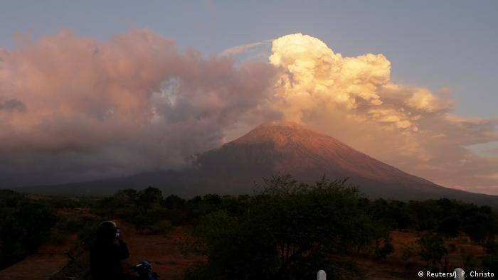 Vulkanausbruch auf Bali (Reuters/J. P. Christo)