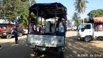 Halböffentlicher Nahverkehr in Katembe, Mosambik