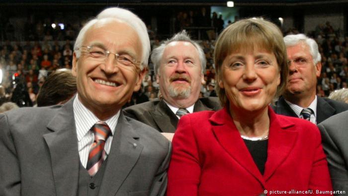 Edmund Stoiber und Angela Merkel im CDU-Wahlkampf in Nordrhein-Westfalen (09.04.2005) (picture-alliance/U. Baumgarten)