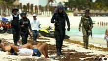 Cancun Tourismus / WDR Polizisten patrouillieren am Strand Bilder aus der DW-Sendung Global 3000