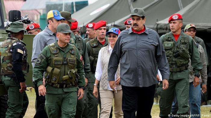 Venezuela Maduro bei Militär Übung (Getty Images/AFP/F. Parra)