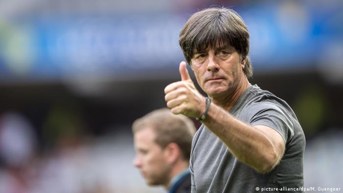 Joachim Löw vai continuar no comando da seleção alemã.