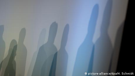 DW Wörter der Woche | Symbolbild Schattenkabinett (picture-alliance/dpa/H. Schmidt)