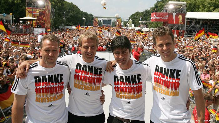 WM 2006 - Feier am Brandenburger Tor (picture-alliance/dpa)