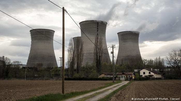 Atomkraftwerk Bugey Nahe Lyon (picture alliance/AP Photo/L. Cipriani)