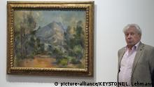 Philippe Cezanne, Vertreter der Familie Cezanne informiert ueber das Gemaelde La Montagne Sainte-Victoire von Paul Cezanne, im Rahmen des Gurlitt-Konvoluts am Dienstag, 3. Juli 2018 im Kunstmuseum Bern in Bern. (KEYSTONE/Lukas Lehmann)  