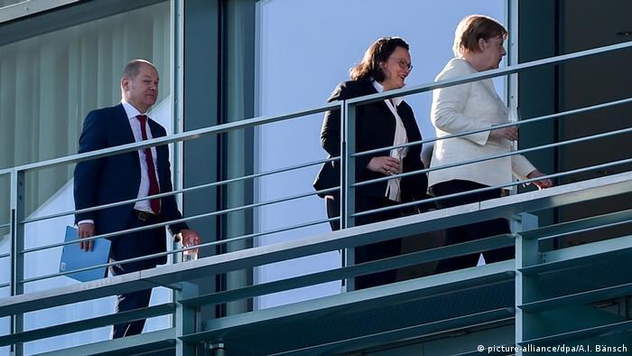 Uvijek poslušno za kancelarkom... Čelnici SPD-a Andrea Nahles i Olaf Scholz