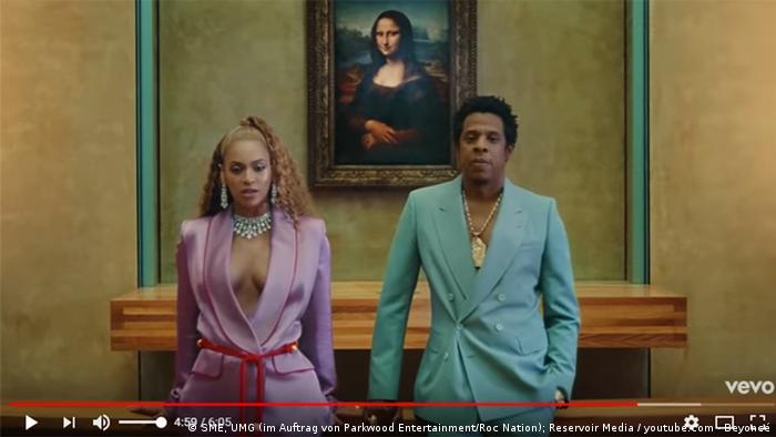 Still from Apeshit video, Beyoncé and JayZ and the Mona Lisa (SME, UMG (im Auftrag von Parkwood Entertainment/Roc Nation); Reservoir Media / youtube.com - Beyoncé)