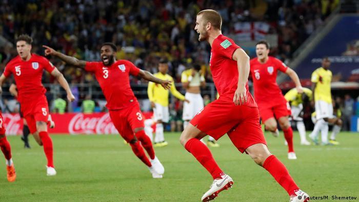 超越了自我的英格蘭 講完克羅埃西亞,也不能忘記其在半決賽的對手英格蘭。雖然未能晉級決賽,然而英格蘭人這次打破了所謂的點球魔咒:在1/4決賽中,他們點球大戰勝了哥倫比亞——這是英格蘭人第一次在世界盃上贏點球。此前,英格蘭曾在世界盃上三次遭遇點球大戰,三次全敗。