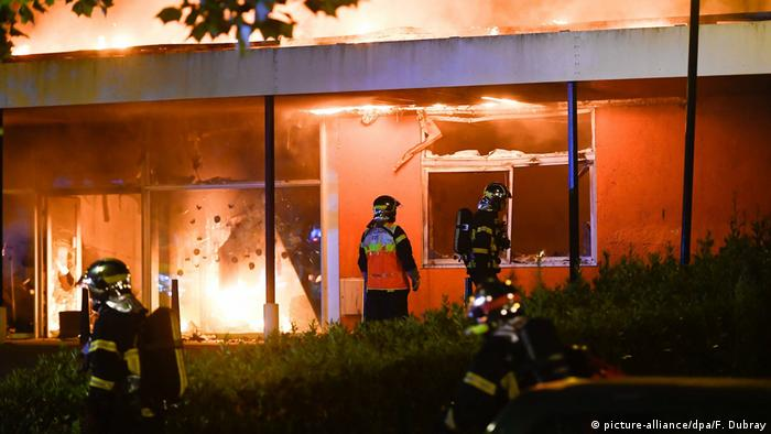 French minister calls for calm after night of violence in Nantes