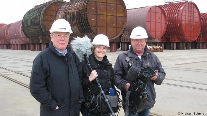 Съемочная группа немецкого телевидения в Сайда-губе. Слева - Михаэль Шмидт