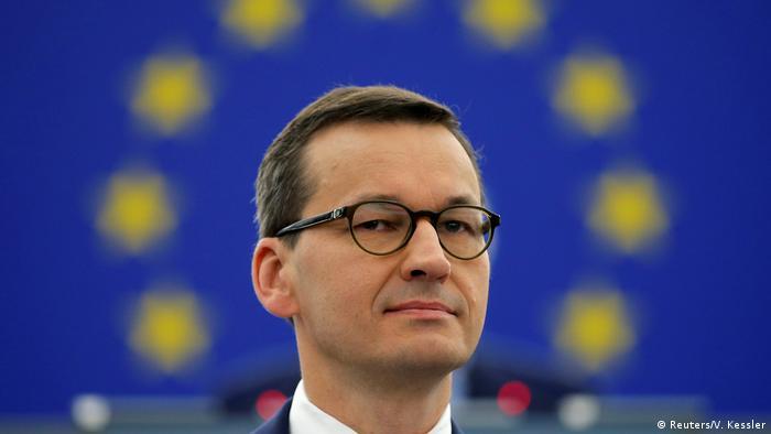 Польща скасувала податок на доходи для молодих працівників, прем'єр Моравецькй вважає, що це допоможе запобігти витоку мізків з країни