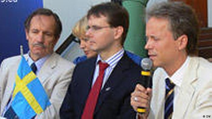 Посол Швеции в Беларуси Стефан Эрикссон и представитель ЕС в Минске Жан-Эрик Хольцапфель