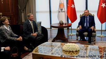 ABD'li senatörler Lindsey Graham ve Jeanne Shaheen'in Cumhurbaşkanı Erdoğan ile gerçekleştirdiği görüşmeden bir kare.
