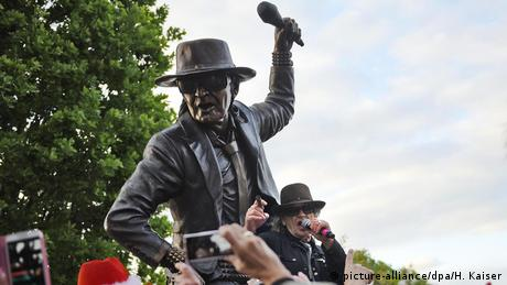 Udo Lindenberg Statue (picture-alliance/dpa/H. Kaiser)