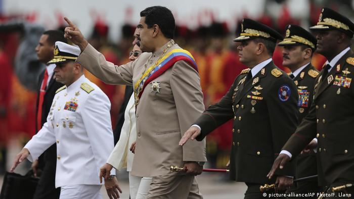 Venezuelan President Nicolas Maduro with high-ranking military officials