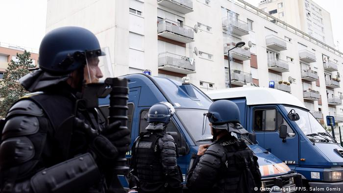 Frankreich Polizei in Nantes (Getty Images/AFP/S. Salom Gomis)