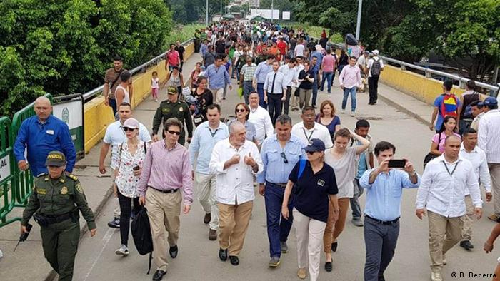 Beatriz Becerra en el puente fronterizo entre Venezuela y Colombia (junio, 2018)