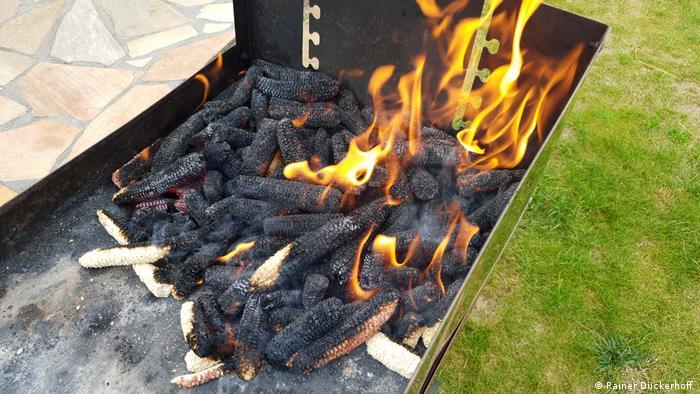 Corn cobs on fire
