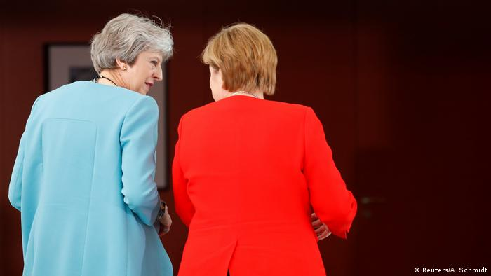 Angela Merkel and Theresa May (Reuters/A. Schmidt)