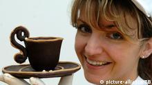 Tag der Schokolade Tasse aus Schokolade Halloren Schokoladenfabrik