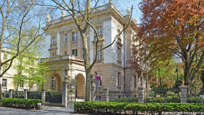 Villa Bonn club in Frankfurt