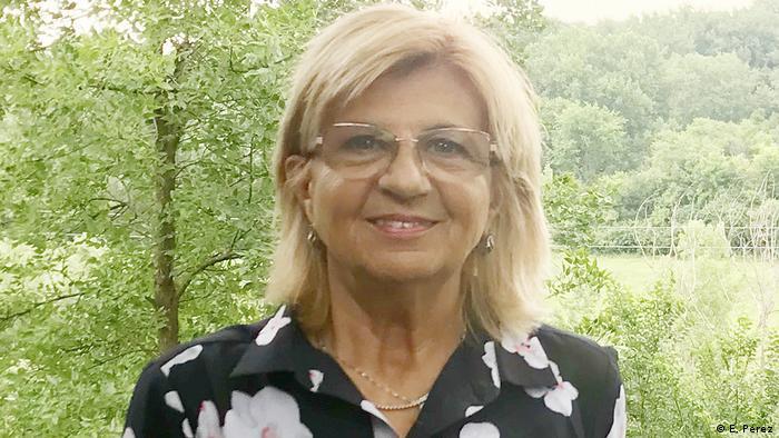 Elena Pérez, Sprachwissenschaftlerin