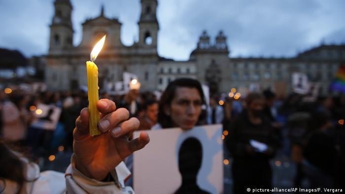 Kolumbien Bogota Mahnwache für Getötete