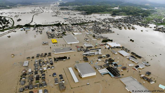 Unwetter in Japan (picture-alliance/AP Photo)