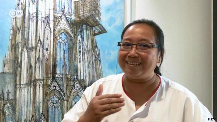 Deutschland Indonesische Krankenschwester in Köln (DW)