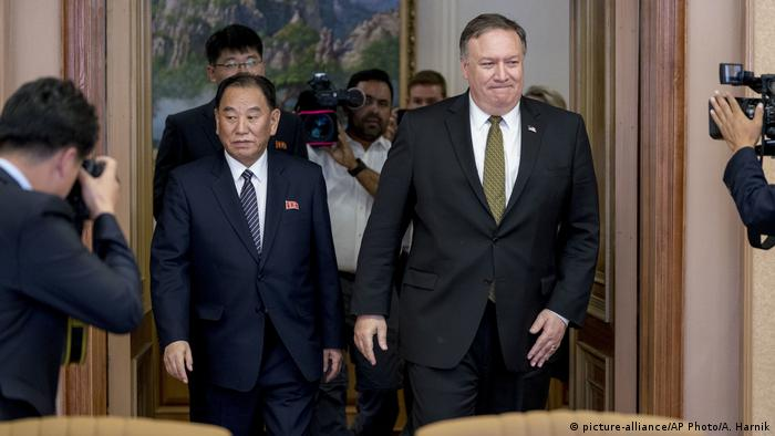 Nord Korea Pjöngjang Besuch Mike Pompeo (picture-alliance/AP Photo/A. Harnik)