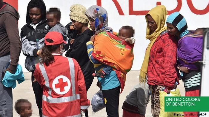 Benetton wirbt mit der Flüchtlingskrise (picture-alliance/ROPI)