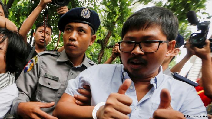 Un tribunal birmano decidió procesar a dos periodistas de Reuters por, supuestamente, obtener de manera ilegal secretos de Estado en una investigación sobre la persecución de la minoría rohinyá. (9.07.2018).