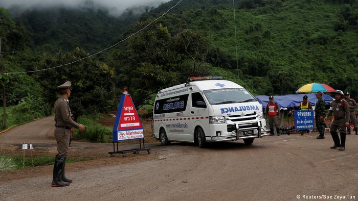 Los niños de entre 11 y 16 años recibieron atención médica tras su liberación.