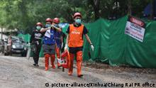 (180709) -- CHIANG RAI, July 9, 2018 (Xinhua) -- Rescuers work near the cave where 12 young soccer team members and their coach were trapped in Chiang Rai, Thailand, July 8, 2018. Four boys out of a total of 12 young soccer team members and their coach have been rescued after being trapped in a cave in northern Thailand for more than two weeks, a Thai official in charge of the rescue operation told reporters Sunday. (Xinhua/Chiang Rai PR office) (gj) | Keine Weitergabe an Wiederverkäufer.