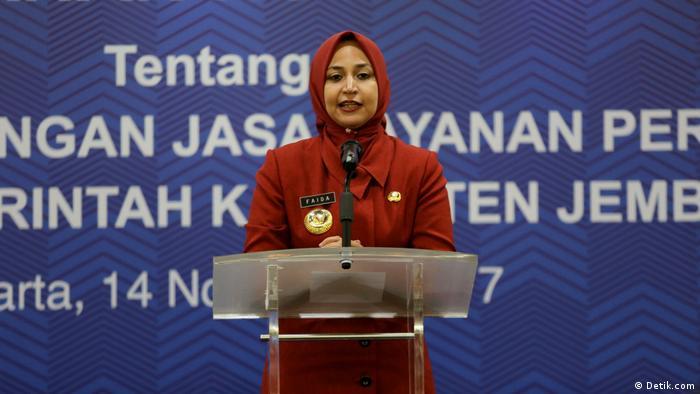 Faida, Regentin von Bojonegoro, Ost Java (Detik.com)