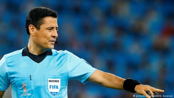 Fußball WM 2018 Schiedsrichter Alireza Faghani (picture-alliance/AA/S. Karacan)